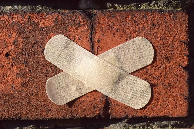 Pansement sur un mur