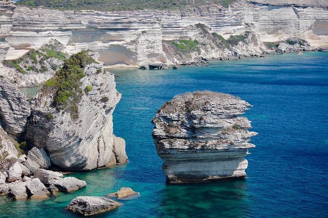Corsica's rocs.